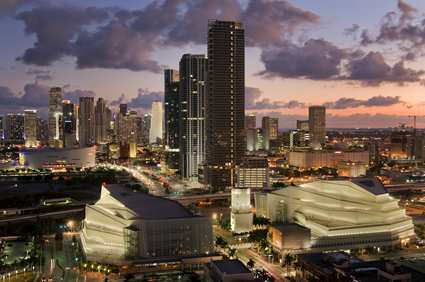 MIADTHF_Hilton_Miami_Downtown_gallery_leisure_nightskyline_large