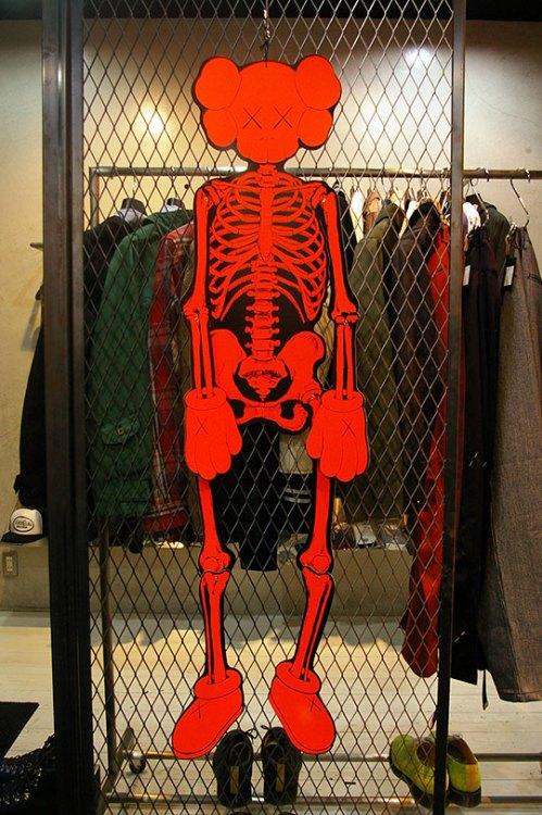 original-fake-skeleton-orange-2009-2